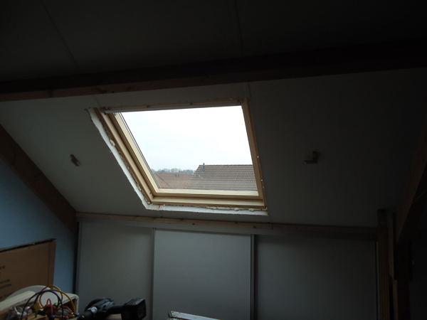 Hugo verstappen bouw en timmerbedrijf van een donkere opbergzolder naar een lichte werkkamer - Moderne wasruimte ...