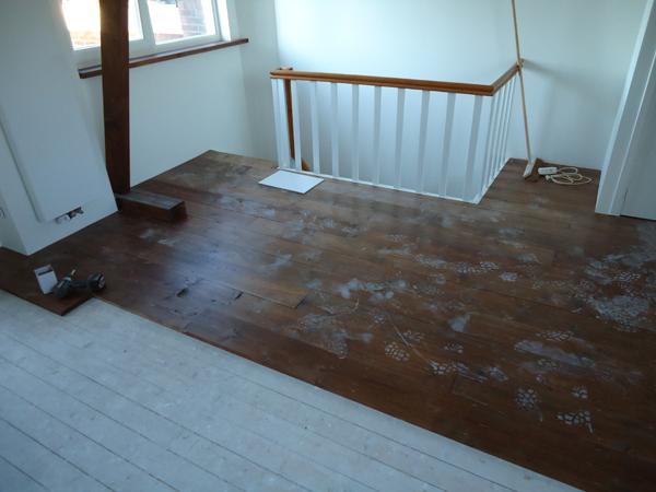 Hugo Verstappen Bouw  en Timmerbedrijf   Verbouwen rommelzolder naar een ruime lichte slaapkamer